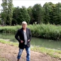 Le chanteur Renaud à La Forêt des livres